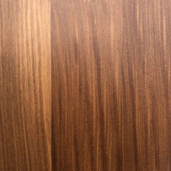 Afromosie - exotické masivní dřevo.