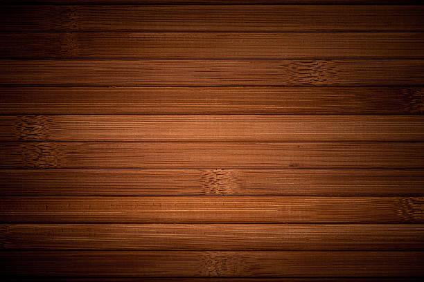 podlaha z tmavého bambusu