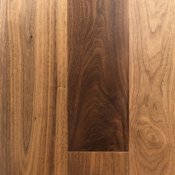 Americký ořech - exotické masivní dřevo.