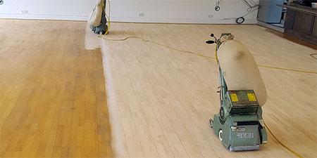 vinylové podlahy v šatně
